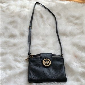Spacious Michael Kors black cross body